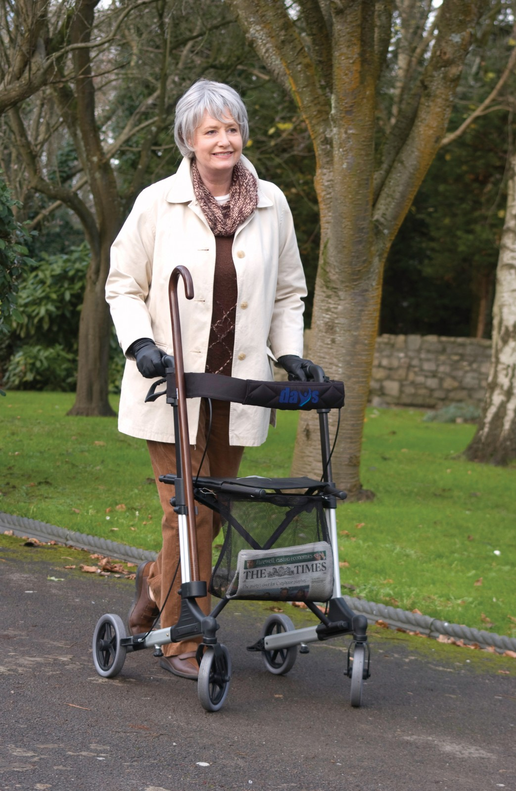Deluxe 4 Wheel Lightweight Rollator With Seat And Easy